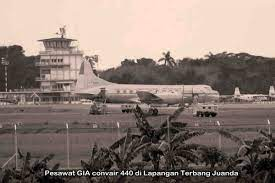 Dimanakah Lapangan Terbang Pertama di Gresik ?