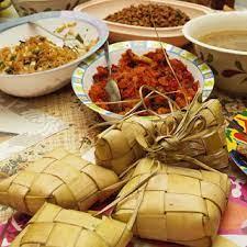 Uniknya Tradisi Riyoyo Kupat di Kauman