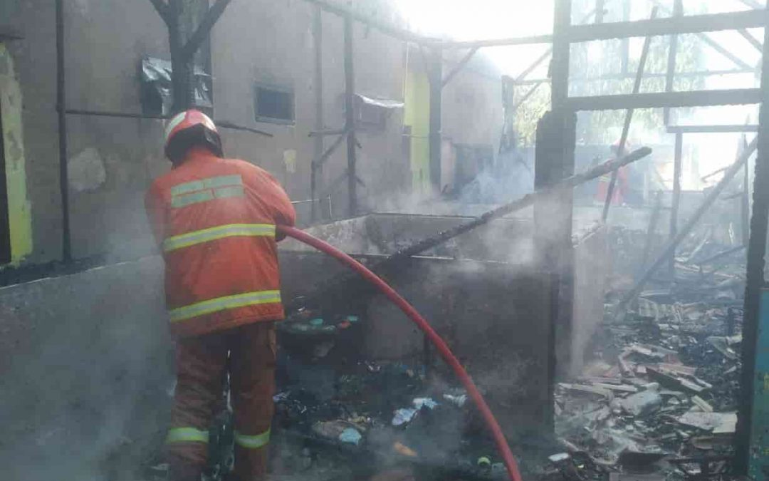 Tabung Gas Meledak, Rumah di Sidorukun Terbakar Habis